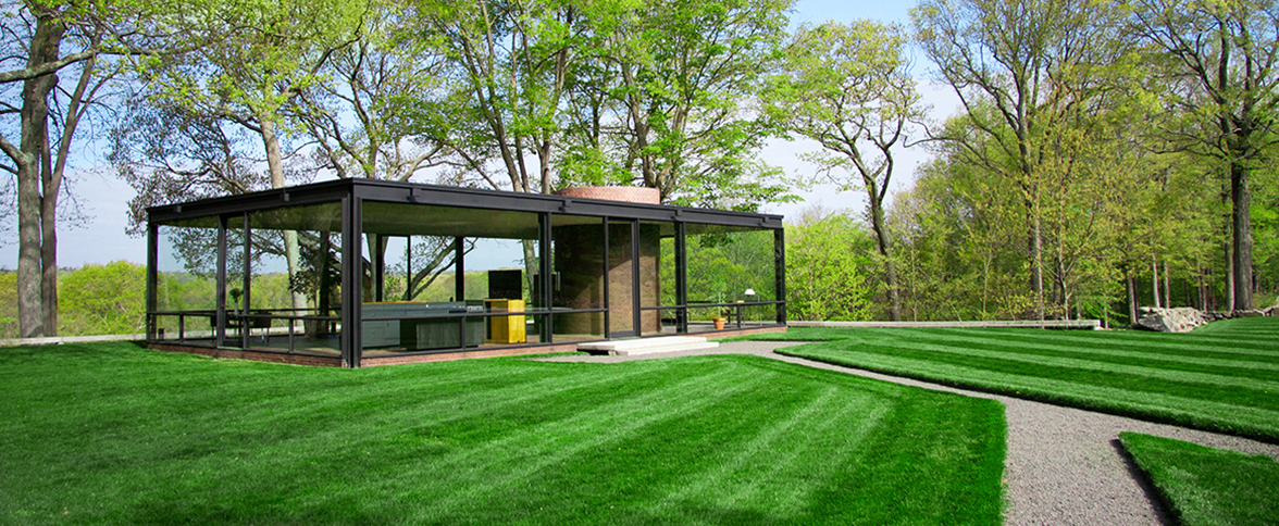 Things to do without a car in ct visit ct the metro north stop at new canaan drops you off just a short walk from the visitors center for the remarkable glass house and freerunsca Choice Image